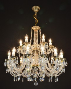 crystal-chandelier-from-the-czech-republic-1053325_1920